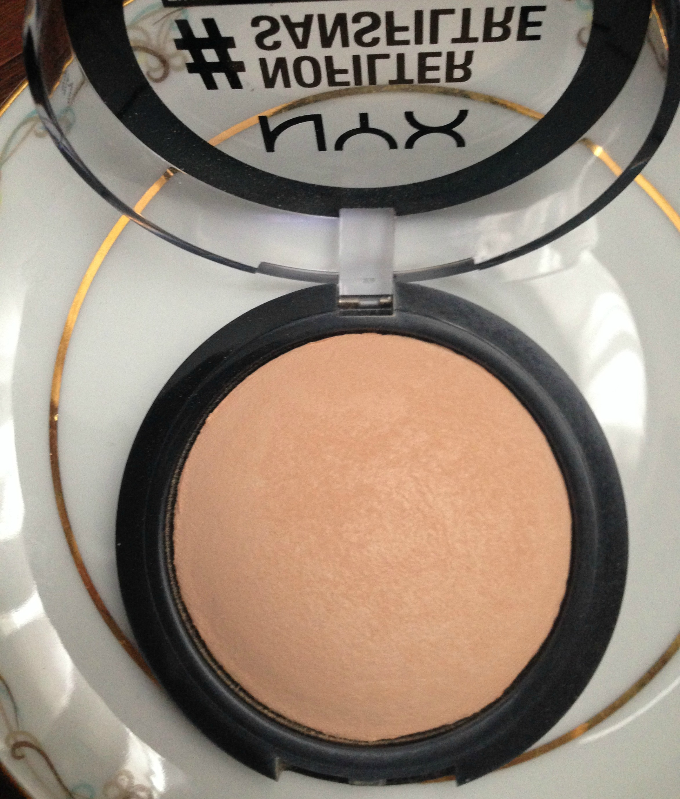 Nyx #NoFilter Finishing Powder Review – a brash attitude