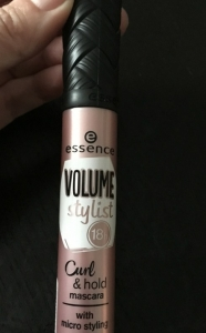 Essence Volume Stylist 18h