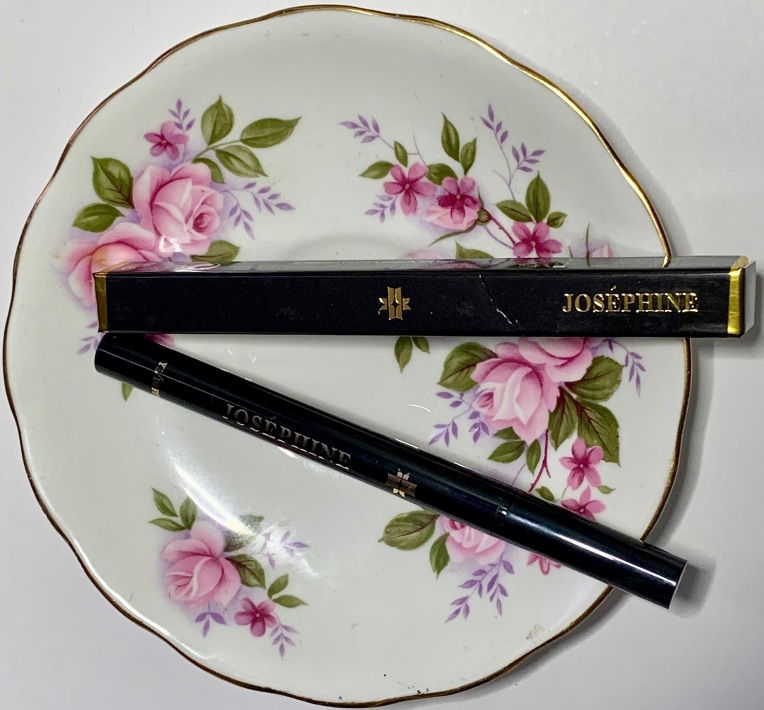 Joséphine Cosmetics Eye / Define Natural Waterproof Graphic Liner