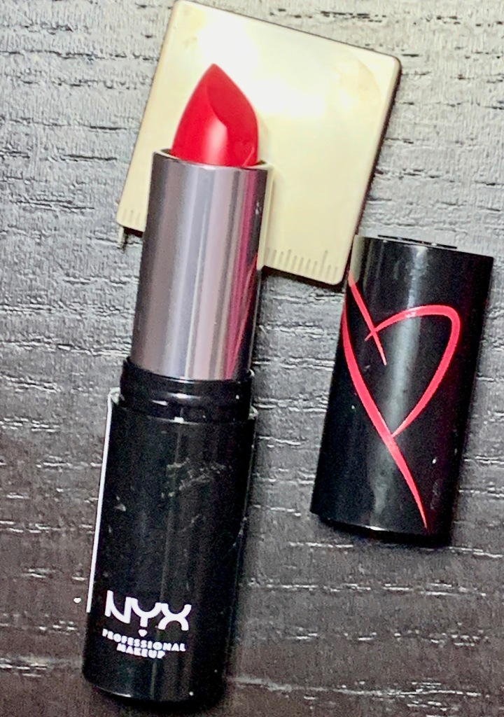 Nyx Shout Loud Satin Lipstick